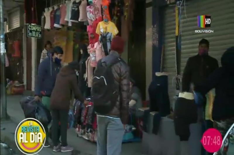 Gran cantidad de personas en las calles de La Paz