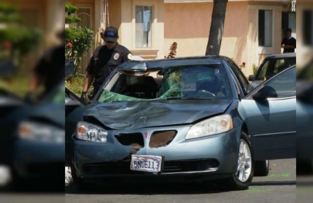Mujer atropello a un peatón y condujo dos kilómetros con el cuerpo de la víctima en el parabrisas