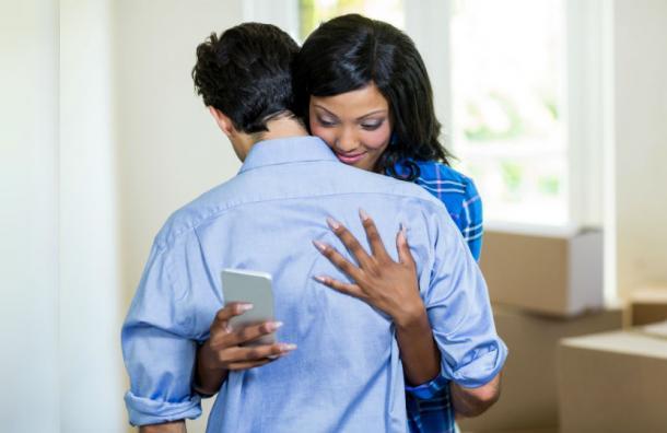¡Atención! Las cuatro señales que revelan que tu pareja es un infiel virtual