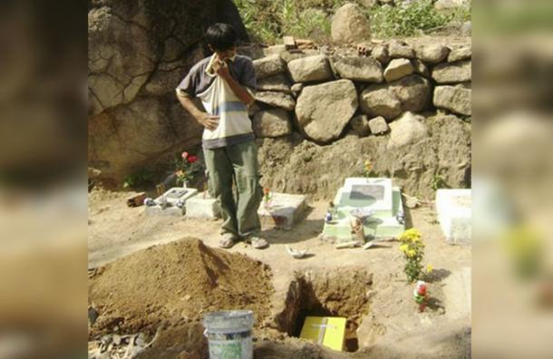 Recogió bebes abortados para sepultarlos hasta que descubrieron sus reales intenciones