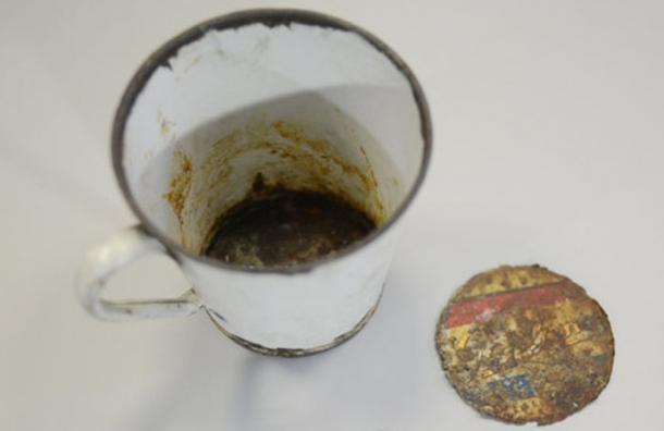 Encontraron este tazón y después de 70 años descubrieron el tesoro que tenía oculto en el fondo