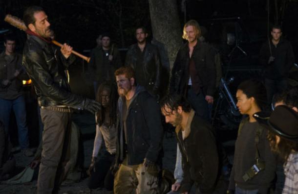 """¿A quién mató Negan? Hay 11 versiones del primer capítulo de la temporada 7 de """"The Walking Dead"""""""